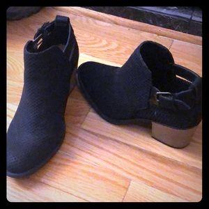 Black neoprene pointed toe booties